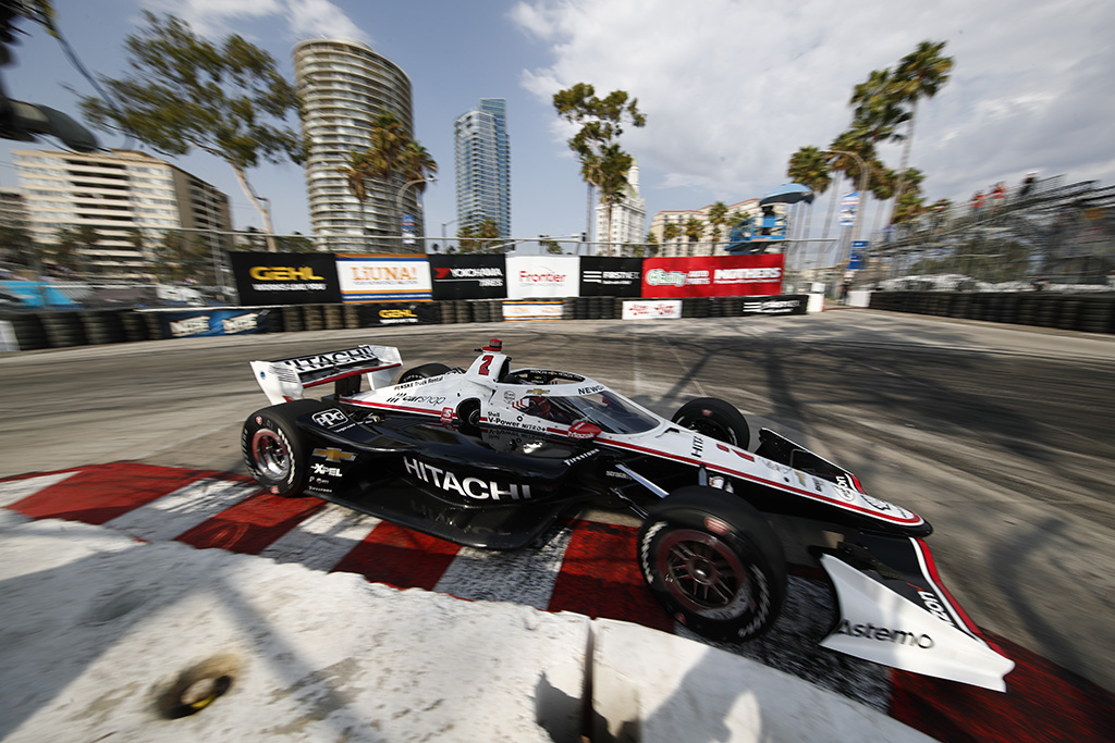 "IndyCar. Finalines lenktynes iš ""pole"" pradės J. Newgardenas"