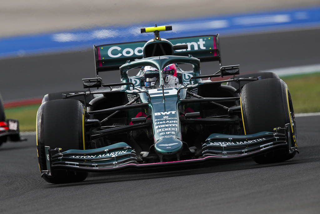 S. Vettelis: iš F-1 hibridinių variklių - mažai naudos