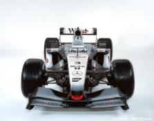 """McLaren"" sezoną pradės senuoju bolidu"
