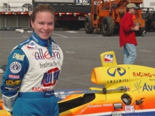 """Už """"Formulės-1"""" bolido vairo moteris!"""