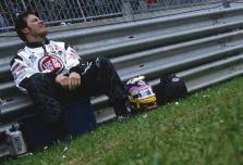 J.Villeneuve'as nesulauks sezono pabaigos?