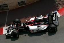 """Bernie perka dalį """"Minardi"""""""