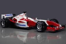 "2004 m. bolidai: ""Toyota TF104"""