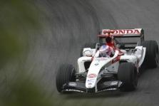 FIA neleis naudotis spraga taisyklėse