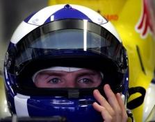 """D.Coulthardas pratesė sutartį su """"Red Bull"""""""