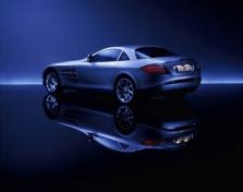 """""""Mercedes"""" ruošiasi įsigyti """"McLaren""""?"""
