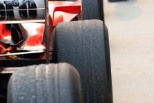 """Padangų karas """"Formulėje-1"""" tęsis"""