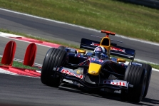 """Red Bull"" derasi su D.Coulthardu"
