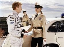 """Kita """"Formulės-1"""" lenktynininkų pusė"""