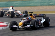 """""""Red Bull"""" tikisi pergalių 2008-aisiais"""