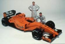 """Bandymuose – oranžiniai """"McLaren"""""""