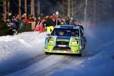 """<span style=""""background:#000000; color:white; padding: 0 2px"""">WRC</span> Švedijos ralyje pirmauja M.Gronholmas"""