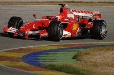 M.Schumacheris tikisi kovoti dėl čempiono vardo