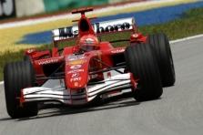"""""""Formulės-1"""" komandos nerimsta dėl lanksčių sparnų"""