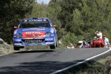 """<span style=""""background:#000000; color:white; padding: 0 2px"""">WRC</span> Korsikoje pirmauja S.Loebas"""
