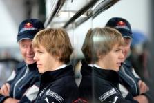 """S. Vettelis """"Toro Rosso"""" lenktyniaus ir kitąmet"""