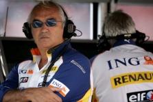 F. Briatore kovoje dėl čempiono titulo favoritu laiko L. Hamiltoną