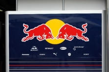 """""""Red Bull"""" gresia pašalinimas iš Malaizijos GP"""