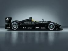 """Porsche"" skandalo krečiama ""Formulė-1"" neįdomi"