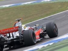 FIA: L. Hamiltono variklis atitiko taisykles