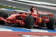 """K. Raikkonenas: """"McLaren"""" aplenkė """"Ferrari"""""""