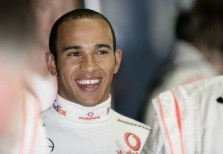 """Interviu su """"Formulės-1"""" čempionu L. Hamiltonu"""