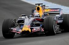 S. Vettelis susirūpinęs KERS saugumu