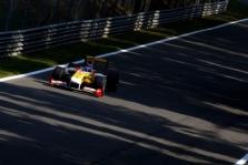 """Piktinamasi lengvu """"Renault"""" išsisukimu"""