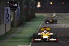 """BBC: """"Renault"""" pardavė savo komandą"""