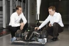 """M. Schumacheris: """"Mercedes"""" dar labiau trokšta pergalių"""