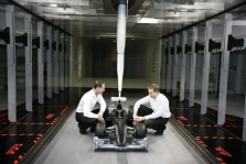 """Mercedes"": M. Schumacheris gali gauti privilegijų"