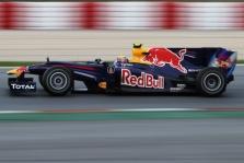 """""""Red Bull"""" slėpė išmetamuosius vamzdžius"""