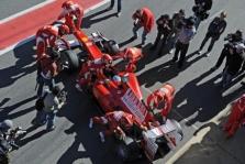 """S. Domenicali: """"Ferrari"""" yra konkurencingi"""