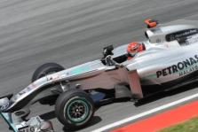 """Mercedes"" tiria M. Schumacherio nesėkmę"