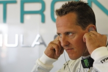 M. Schumacheris sugrįžo ant motociklo