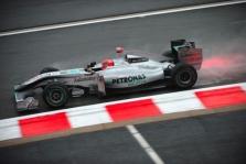 """""""McLaren"""" ir """"Mercedes"""" patenkinti varžovų sparnais"""
