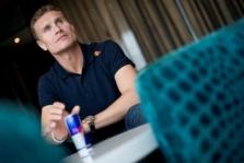 D. Coulthardas: nustebčiau, jei C. Leclercas neužliptų ant podiumo