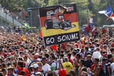 """M. Schumacheris: """"Manimi neatsikratysite!"""""""