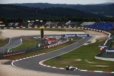 B. Ecclestone'as: F-1 čempionatą sudarys 19 etapų, Vokietijos GP – Niurburgringe