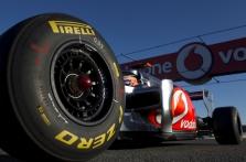"""""""Pirelli"""": komandos turi apsispręsti dėl kietų padangų"""