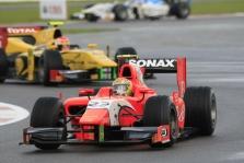 """<span style=""""background:#00adef; color:white; padding: 0 2px"""">GP2</span> Sprinto lenktynėse nugalėjo L. Razia"""