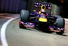 """""""Red Bull"""" nesitiki dominuoti likusiose lenktynėse"""