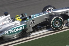 """Mercedes"" tirs N. Rosbergo incidentą"