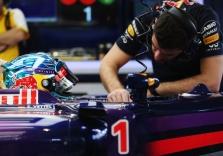 """""""Red Bull"""" bando išsiaiškinti S. Vettelio problemų priežastis"""