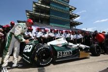 "<span style=""background:#3f3f3f; color:white; padding: 0 2px"">IndyCar</span> Indianapolyje ""pole"" poziciją iškovojo E. Carpenteris"