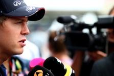 """Oficialu: S. Vettelis su """"Ferrari"""" pasirašė 3 metų kontraktą"""