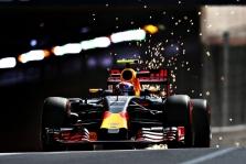 M. Verstappenas: neįvertinau sukibimo su trasa