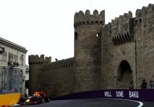 B. Ecclestone'as: kam nepatinka Baku trasa, tas gali važiuoti namo