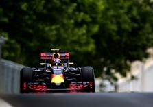 M. Verstappenas: lenkti pirmame posūkyje reikia labai protingai