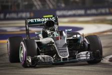 Singapūro GP triumfavo N. Rosbergas